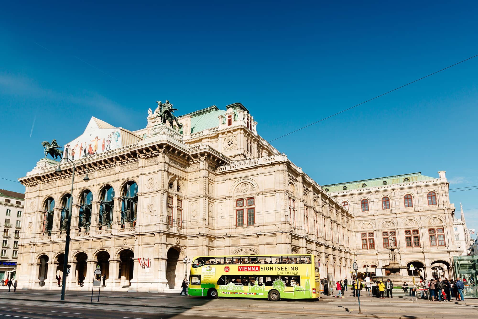 Hop on hop off Tour in Vienna (c) VIENNA SIGHTSEEING TOURS_Bernhard Luck.jpg